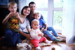 Антон Несютин с семьей