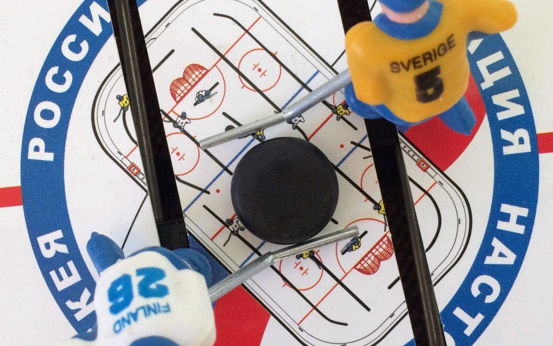 Нормальный настольный хоккей